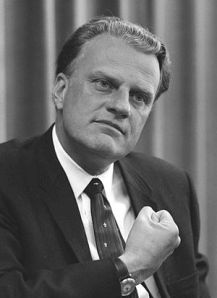 Billy graham evangelical vs fundamentalist